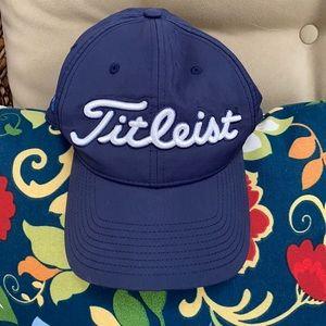 Titleist ball golf trucker cap